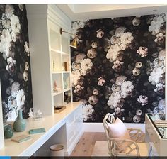 Fabulous paper in this fabulous office space. with office gives me happy chills. Styling her up for tomorrow's big photo shoot. (Yes, more shoots! 😂) Thanks for loving this wallpaper as much as I do. Room co-designed by and . Built by Ellie Cashman Wallpaper, Office Items, Co Design, Big Photo, Little Girl Rooms, Wall Patterns, Palm Springs, Give It To Me, Instagram Posts