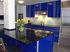 kitchens in blue .