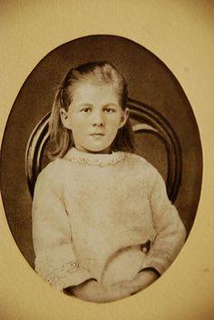 Lyubova Fyodorovna, hija de FMD.