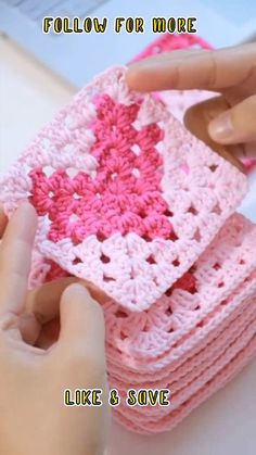 Granny Square Crochet Pattern, Crochet Squares, Crochet Motif, Diy Crochet, Crochet Crafts, Crochet Projects, Crochet Granny Square Beginner, Free Crochet Square, Easy Granny Square