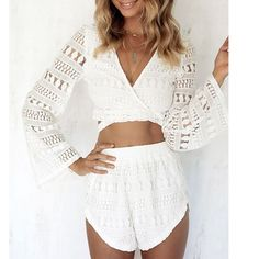 Fashion Women Two Piece Set Crossover V-Neck Lace Long Sleeve Crop Tops + Shorts