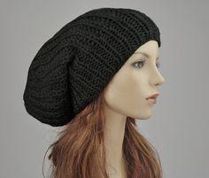 ¡Gran tamaño sombrero slouchy! Esta características del sombrero de lana en  una forma interesante 0632a43b38b