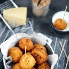Gnocchi z sosem mięsno-pomidorowym | Bernika - mój kulinarny pamiętnik Gnocchi, Muffin, Food Porn, Menu, Cooking, Breakfast, Biscuits, Menu Board Design, Kitchen