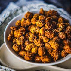 Spicy Vegetarian Recipes, Vegan Vegetarian, Vegan Recipes, Cooking Recipes, Healthy Indian Snacks, Vegan Snacks, Indian Food Recipes, Easy Samosa Recipes, Pakora Recipes