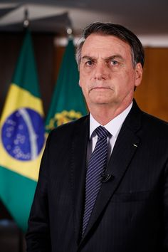 Jair Bolsonaro em abril de 2019 antes de pronunciamento em rede nacional.