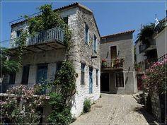 Samothraki Island: Hora – the capital of Samothraki Island (traditional houses)-Greece
