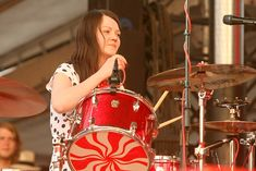 Meg White of The White Stripes during Bonnaroo 2007 - Day 3 - The White Stripes at Which stage in Manchester, Tennessee, United States. (Photo by Jason Merritt/FilmMagic for Superfly Presents) Meg White, Jack White, The White Stripes, Concert Photography, Superfly, Drummers, Rockers, Musical Instruments, Beauty