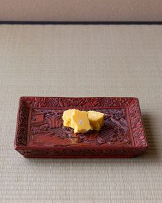 菓=菜種の里/三英堂(松江) 器=堆朱騎馬人物文四方盆 元時代