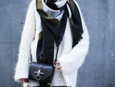 HIPPIE, HIPPIE - MILKSHAKE! Knitting Yarn, Knitting Projects, Celine, Knit Crochet, My Style, Sweaters, Outfits, Inspiration, French Fashion