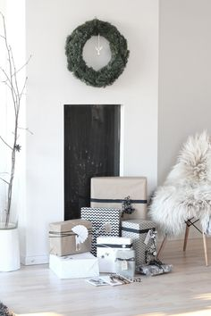 Wreath, wrapping, sophisticated style.