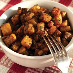 Classic (Paleo) Diner-Style Home Fries. There was a dinner in Canada that had the best home fries we have ever ate and these were pretty close to those. Healthy Breakfast Recipes, Paleo Recipes, Real Food Recipes, Cooking Recipes, Potato Recipes, Easy Recipes, Healthy Snacks, Paleo Whole 30, Whole 30 Recipes