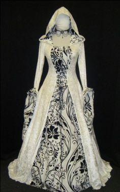 Vestido Medieval con Capucha