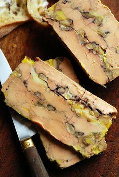 Foie gras au Comté et aux noix ! - Mais pourquoi est-ce que je vous raconte ça... Dorian cuisine.com: Le vendredi c'est retour vers le futur ! Une fin d'année sans foie gras c...