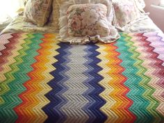 Beautiful blanket I saw on ebay.  What an inspiring color choice and pattern for a ripple!