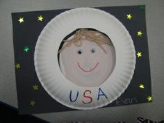 paper plate astronaut