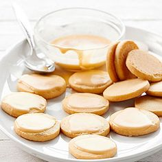 Steep tea leaves in butter to make these delicious meltaway cookies. Vanilla rooibos tea can be found at specialty tea stores. Tea Recipes, Sweet Recipes, Cookie Recipes, Dessert Recipes, Party Recipes, Baking Recipes, Holiday Recipes, Delicious Desserts, Cookies