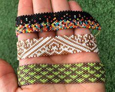 Loom Bracelet Patterns, Bead Loom Bracelets, Bracelet Crafts, Bead Loom Patterns, Beading Patterns, Jewelry Crafts, Bead Embroidery Jewelry, Beaded Jewelry, Handmade Jewelry