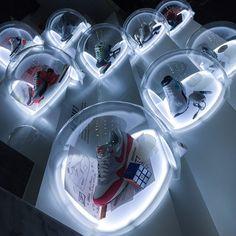 Window Display Retail, Shoe Display, Exhibition Stall, Exhibition Display, Merchandising Displays, Magic Box, Shoe Store Design, Retail Facade, Environmental Graphic Design