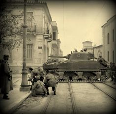 Sherman tanks and troops from the (Scottish) Parachute Battalion, British Parachute Brigade together with their Greek allies, fighting against members of ELAS (Greek People's Liberation Army) i Athens, Greece, on December Battle Of Athens, Greek Soldier, Ww2 Photos, Ww2 Pictures, Photographs, Man Of War, Greek History, War Photography, British Soldier