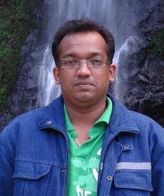 """पद्मनाभ गौतम जन्म-27-06-1975  ग़ज़ल संग्रह """"कुछ विषम सा"""" विभिन्न पत्र-पत्रिकाओं  में कविताएं, गज़लें, समीक्षा  इत्यादि प्रकाशित। सहायक महाप्रबंधक एल.आई.टी.एल.  माजीटार, पूर्वी सिक्किम, सिक्किम पिन - 737132"""