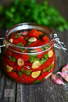 Ardei copti in ulei, cu patrunjel si usturoi - CAIETUL CU RETETE Vegetarian Recipes, Cooking Recipes, Healthy Recipes, Canning Vegetables, Good Food, Yummy Food, Artisan Food, Romanian Food, Health Snacks
