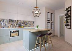 Яркая индивидуальность в типовой квартире : Cuisine scandinave par Anna Clark Interiors