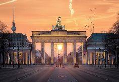 """Mi piace"": 4,844, commenti: 39 - Official Instagram of Berlin🇩🇪 (@berlin_gram) su Instagram: ""Brandenburger Tor 🚩 #Berlingram ✌🏻 Photo 📷: @ecke_wie_kante"""