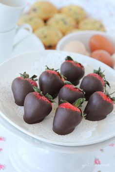 Chocolate Dipped Strawberries - how to temper chocolate