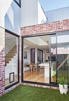 Local Australian Architecture And Interior Design Albert Park Terrace Designed By Dan Webster Architecture 1 - The Local Project Red Brick Exteriors, Brick Facade, House Cladding, Facade House, Exterior Cladding, Terrace House Exterior, Exterior Signage, Stucco Exterior, Exterior Paint