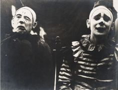 """""""Two early Ringling Brothers' circus clowns, whose photographs appeared in the 'Ringling Annual' under a section titled 'Last of the Old-Time Clowns'. What do you call that clown phobia again? Cirque Vintage, Vintage Circus Photos, Vintage Clown, Photo Vintage, Vintage Photographs, Creepy Vintage, Vintage Carnival, Vintage Halloween, Clown Film"""