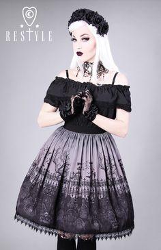 """Spódnica """"CEMETERY GREY"""" Gotycka spódnica z nadrukiem, cmentarz"""