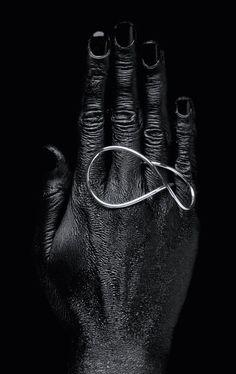 Karolina Pernar | Sculptures to Wear