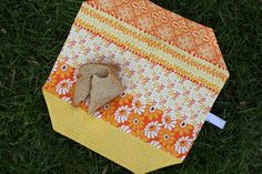 Smashed Peas And Carrots: The Sandwich Cozy {a Tutorial}