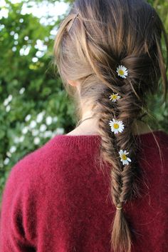 Fishtail with flowers