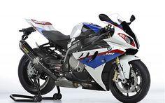 MOTO PISTA La moto Sportiva è una moto da pista.
