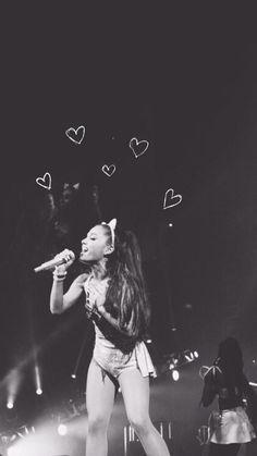 Ariana lockscreen