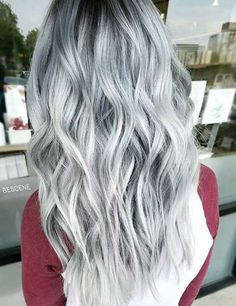 Edgy and intimidating, the silver hair trend has all the cool girl vibes. Here, 17 gray and silver hair inspiration photos that will have you running to your colorist immediately. Curls Haircut, Pretty Hairstyles, Wig Hairstyles, Simple Hairstyles, Newest Hairstyles, Silver Grey Hair, Black And Grey Hair, Silver Wigs, Black And Silver Ombre