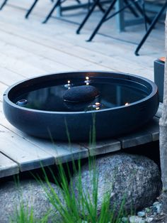 Stunning Water Features You Can Make In A Day - Container Water Gardens Small Gardens, Outdoor Gardens, Wood Gardens, Zen Gardens, Garden Art, Home And Garden, Container Water Gardens, Water Features In The Garden, Garden Inspiration