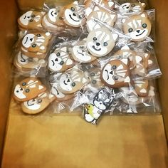 we don't have much left. coming early tomorrow!!! 50pcs on the last day.... #husky #ATC #seoul #toyshow #artist #huskyx3 #figure #cookie #happy #gift #like