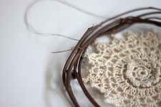 DIY Desktop Dream Catchers – How To Make A Dreamcatcher | Free People Blog #freepeople