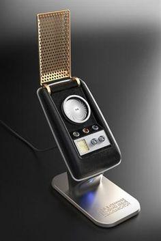 Los fanáticos del universo Star Trek tienen un nuevo objeto de deseo: un Comunicador, el dispositivo de comunicación que usaban en la serie, que fue uno de los precursores conceptuales del celular y la palmtop, y que ahora está disponible como un parlante Bluetooth.