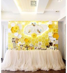 Our busy baby BEE is turning one - Biene Baby Shower Themes, Baby Shower Decorations, Bee Decorations, Baby Birthday, Birthday Parties, Birthday Ideas, Mommy To Bee, Baby Gender Reveal Party, Bee Gender Reveal