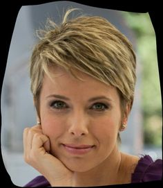 Hair style You are in the right place about punk hair over 40 Here we offer you the most beautiful p Chic Short Hair, Short Grey Hair, Short Hairstyles For Thick Hair, Haircuts For Fine Hair, Haircut For Thick Hair, Very Short Hair, Short Hair Styles Easy, Short Hair With Layers, Short Hair Cuts For Women