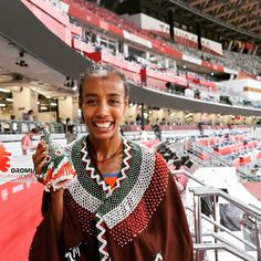 The Oromo-Dutch athlete @SifanHassan taking pride & promoting her dual identity in what appears to be an intentionally/symbolically encoded pictorial, celebratory message after winning the 5K track competition at #TokyoOlympics today. She is further set for victory in 1.5K & 10K. #Oromopeople #Oromoculture #SifanHassan #TokyoOlympics Oromo People, Tokyo Olympics, Victorious, Dutch, Competition, Athlete, Identity, Pride, Track