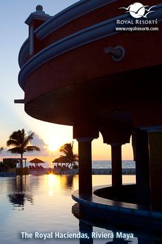 Happy Tuesday from the Riviera Maya! Like this photo if you love beach sunrises as much as we do. :)
