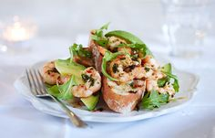 For a lunch to impress, try this chilli prawn bruchetta with a scattering of salad leaves.
