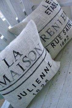 Pretty Frenchy pillows...