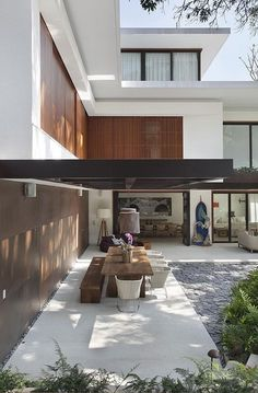 Veranda, Terrasoverlapping modern- stylish- pallete- brown grey