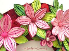 Quilling Fantasy Flowers and leaves Quilling Tutorial, Quilling Craft, Quilling Flowers, Paper Quilling, Quilling Ideas, Bee Cupcakes, Paper Art, Paper Crafts, Quilled Creations