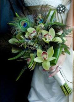 Trends We Love: Feather Bouquets | Bride Ideas